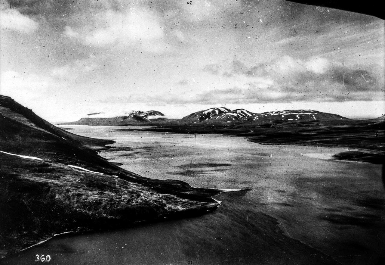 1931. Новая Земля. Вид на пролив Маточкин Шар, отделяющий Северный остров Новой Земли от Южного и соединяющий Баренцево море с Карским морем