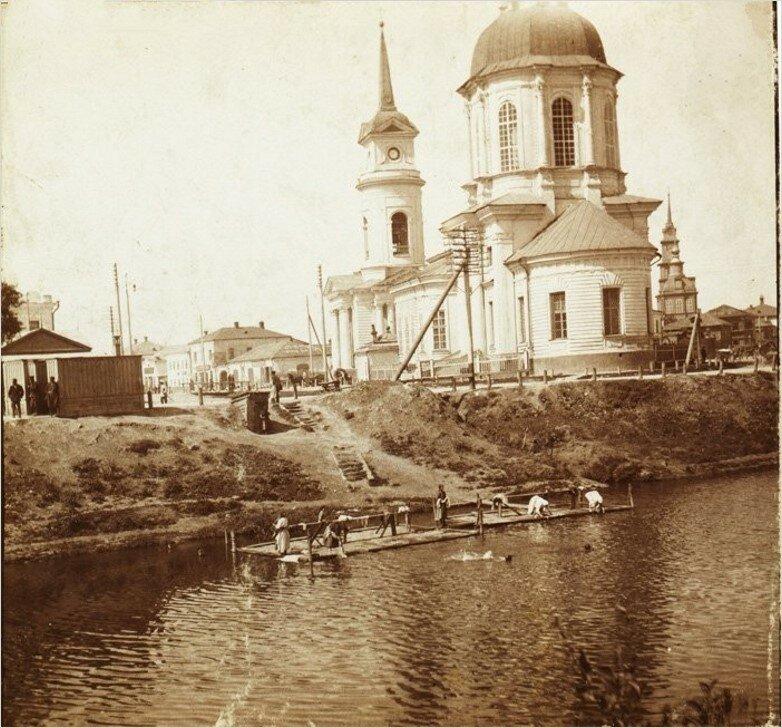 Храм Сретения Господня. Вид со стороны Оружейного завода