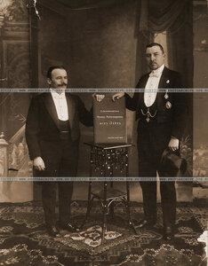 Представители  русского Териокского прихода Владимир Тимофеевич Марков и Алексей Иванович Шахов