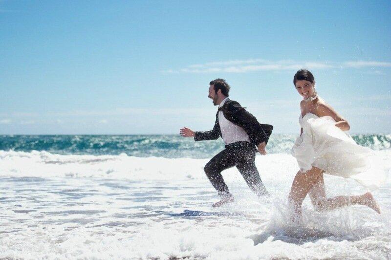 Молодожёны, гуляющие по воде. Красивая свадебная фотосессия 0 1cd5b8 88a21724 XL