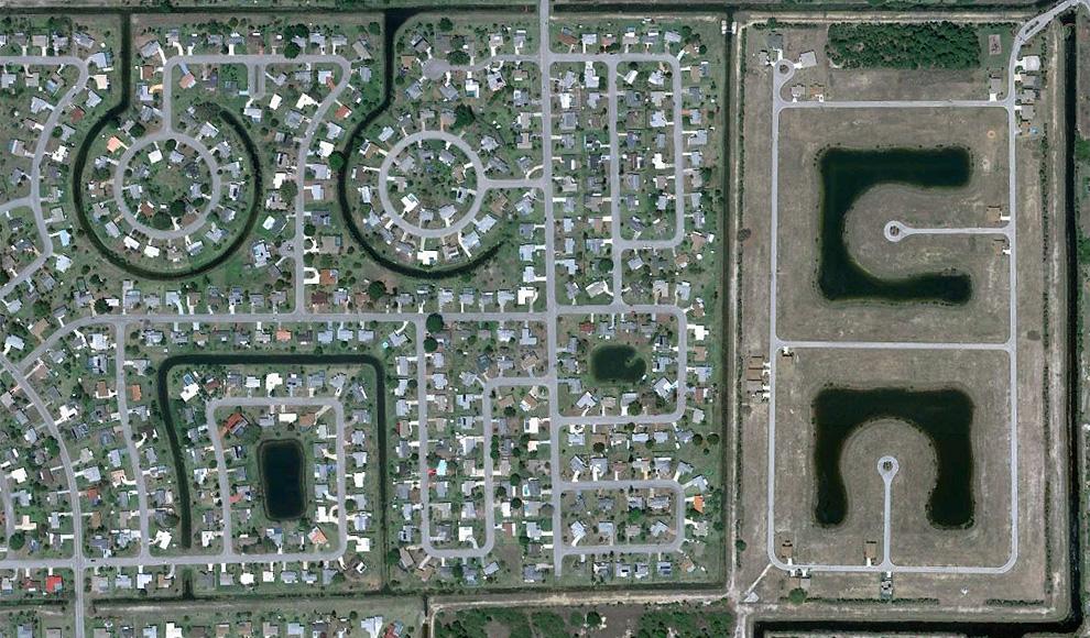 10. Застроенный район и соседний, в котором идет строительство, в Лехай Акрс. (© Google)