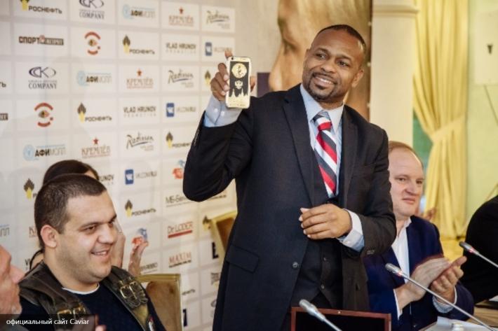 Русский боксер Рой Джонс проведет в столице последний бой вкарьере