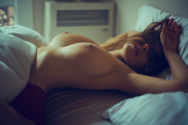фото голых девушек утром