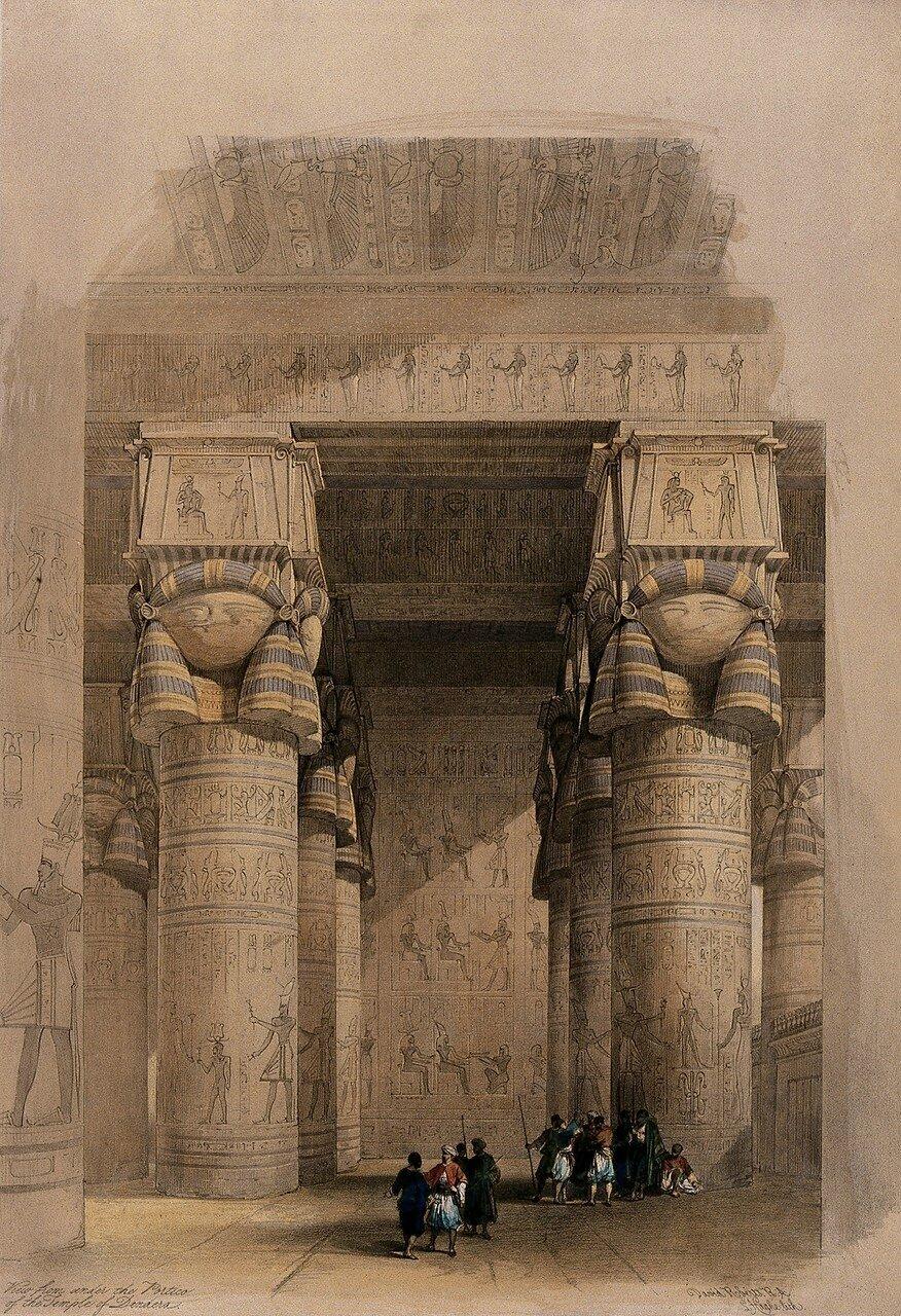 1848. Украшенные колонны портика храма