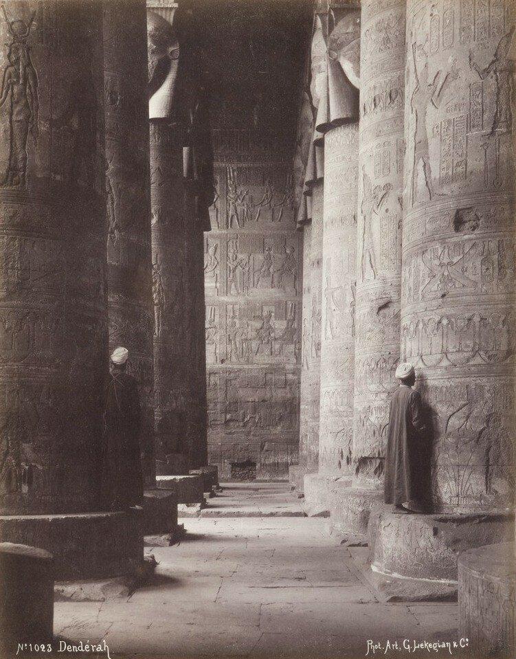 1900. Колонны храма