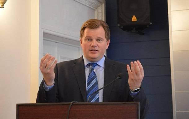 Экс-глава Киевской ОГА Мельничук на выходных находился на отдыхе с женой и детьми. Он жив и здоров, - адвокат