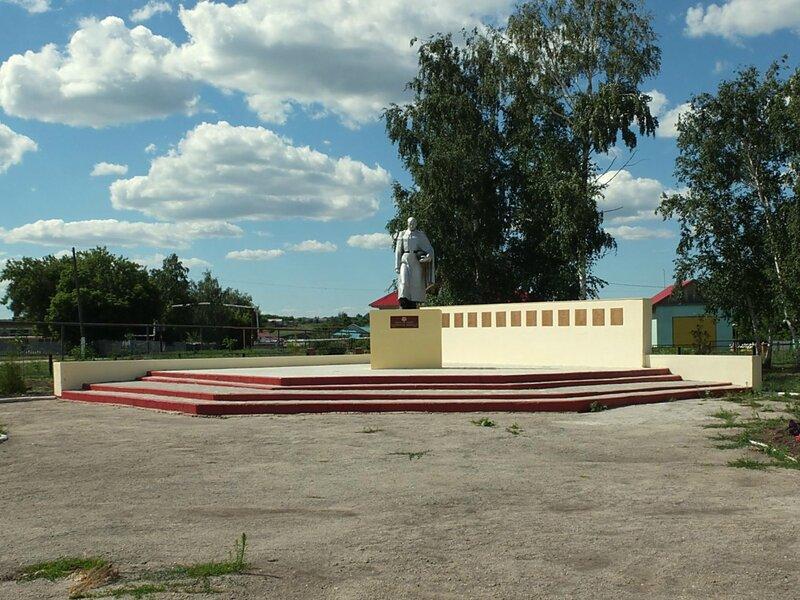 Хворостянка, Безенчук аэродром 400.JPG