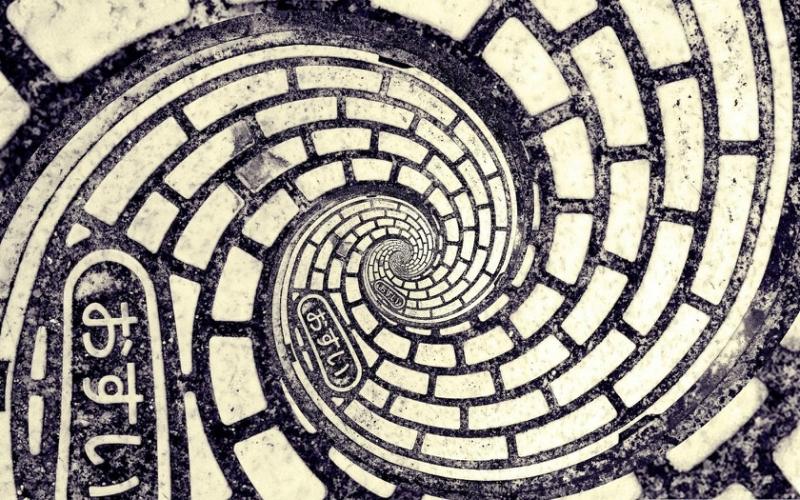 spiral_ieroglify_cherno_belaya_1680x1050.jpg