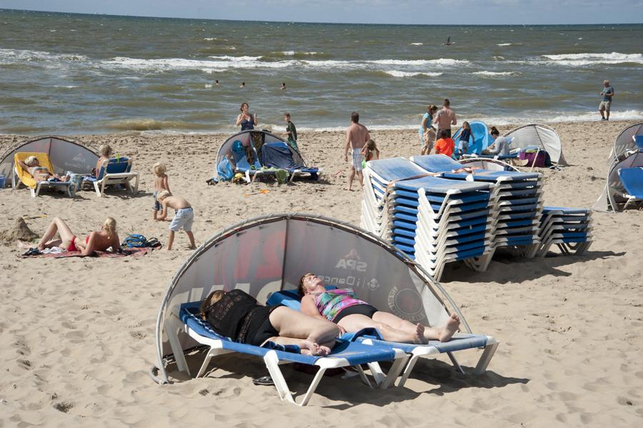 голые школьницы на нудиском пляже фото