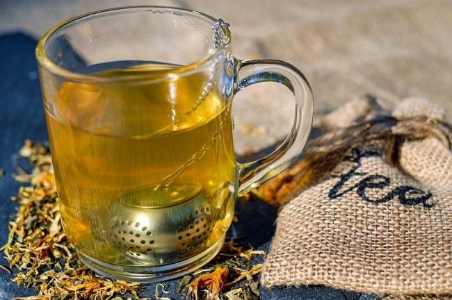 © pixabay  Как приготовить: Налейте чашечку горячего свежезаваренного зеленого чая. Добавьте в