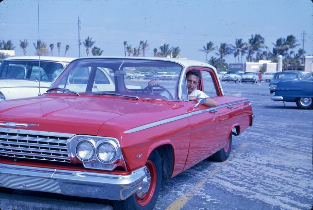 На грунтовой дороге, 1963 год.