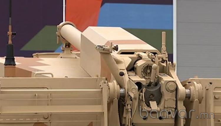 Вся необходимая информация выводится на мониторы командира, которыми оборудована кабина САУ