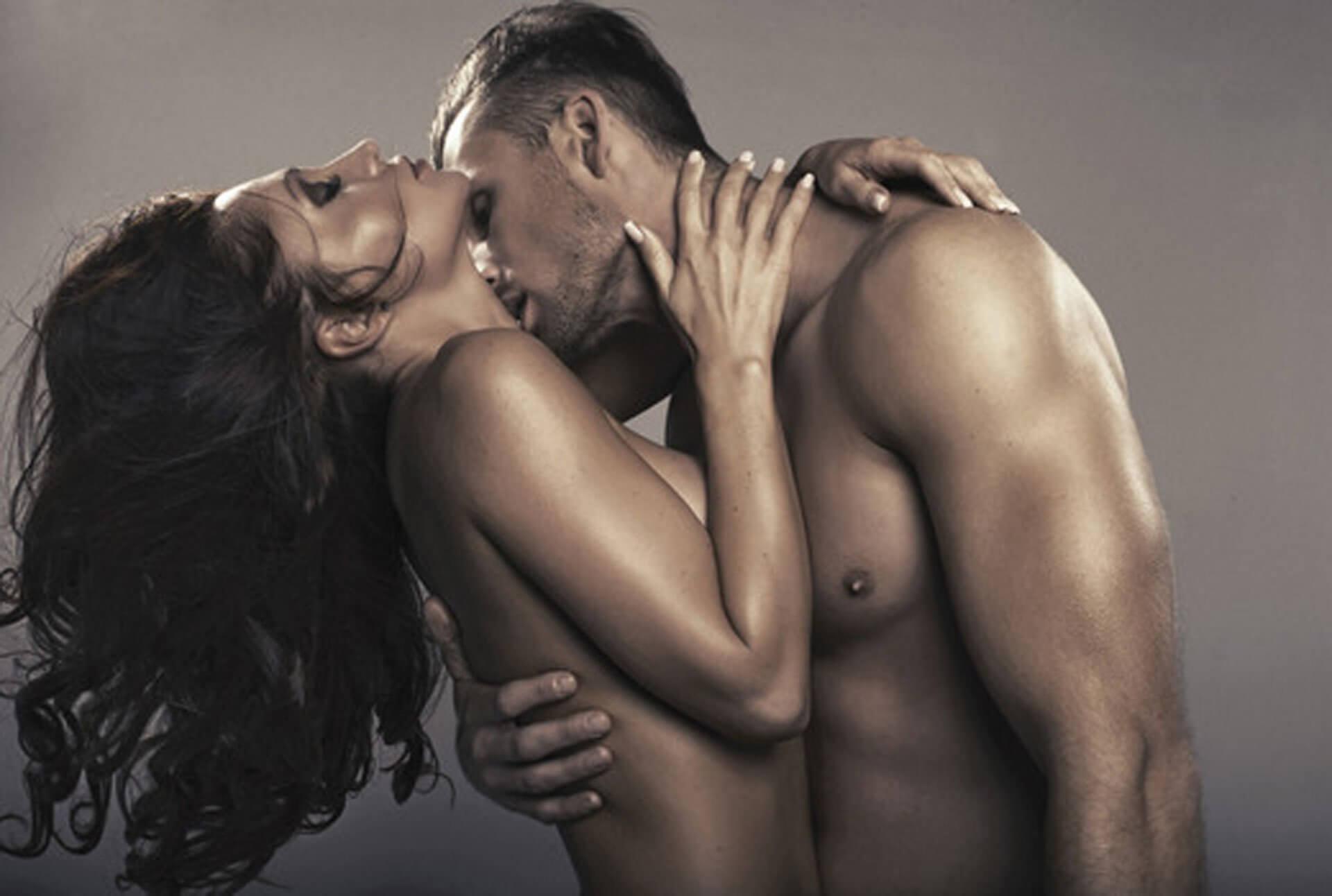 Еще сложнее каким-то образом выделить и определить нормальность в сфере секса, ведь это как раз та с