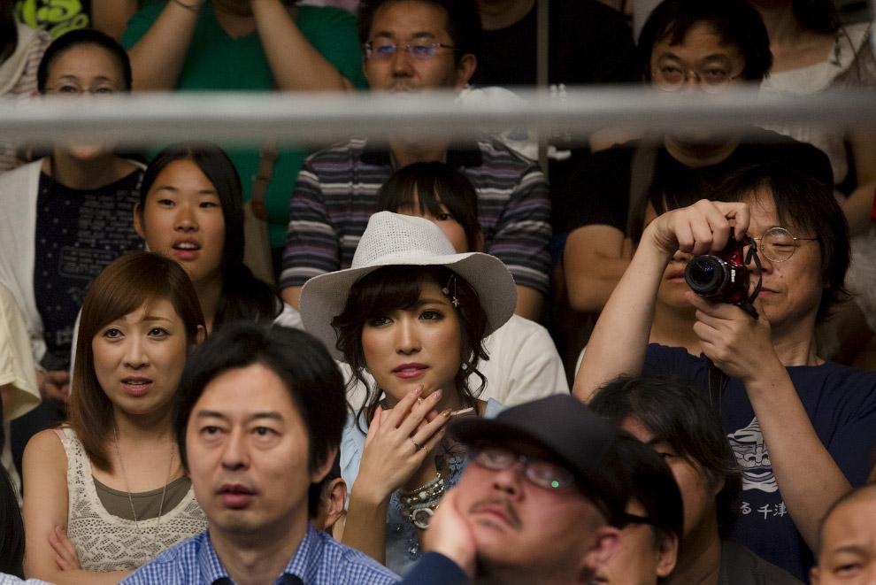 6. В японском реслинге существуют особые правила, отражающие национальную культуру. Например, н