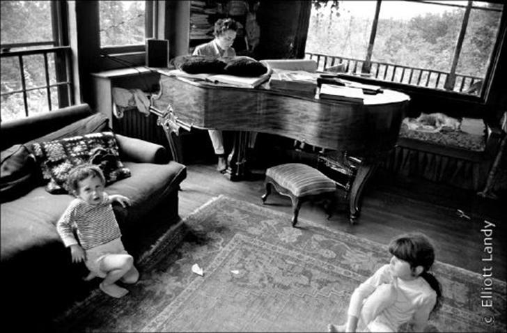 Боб Дилан — настоящая легенда рока. Музыкант говорит, что в день, когда впервые услышал Элвиса, поня