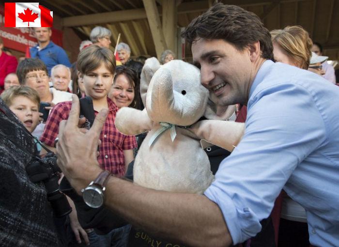 Слон сфотографировался с премьер-министром Канады Джастином Трюдо.
