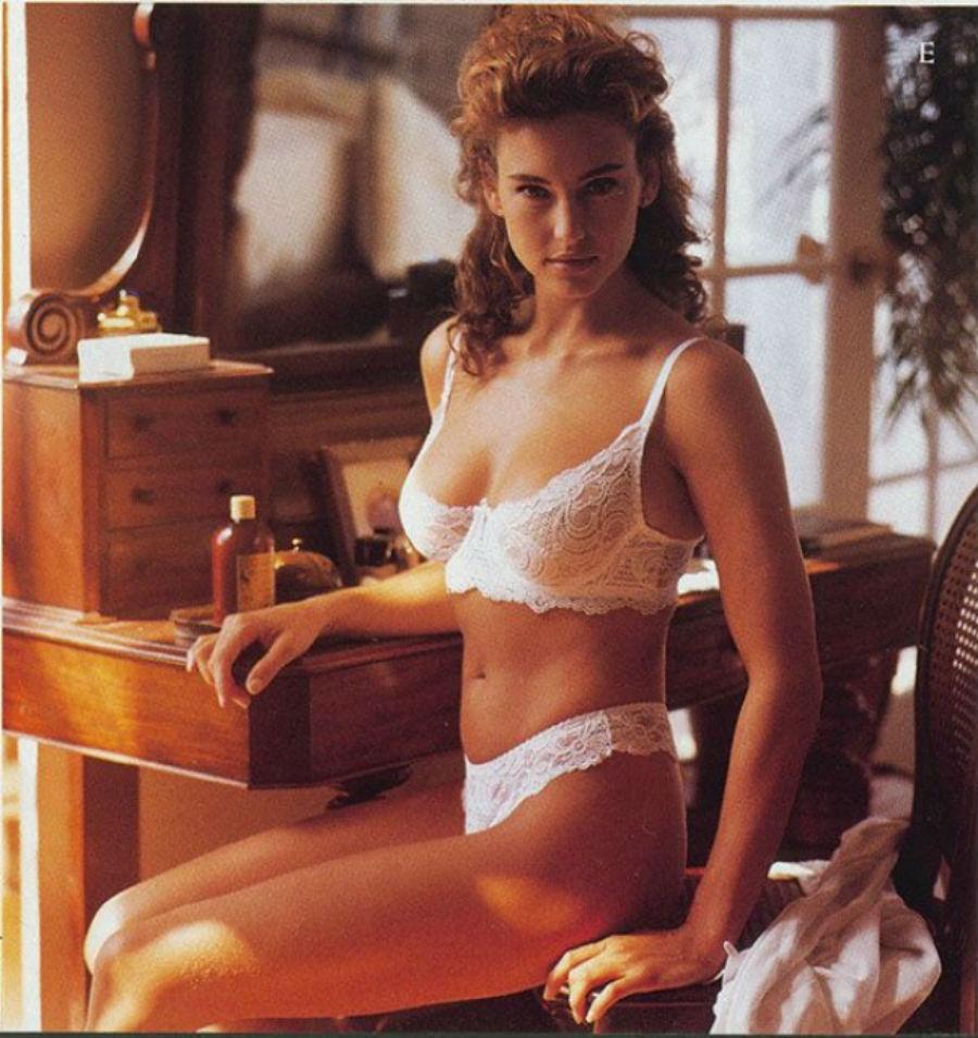 1980-е годы охарактеризовались возрождением люксового белья. Модные дома наперебой старались удовлет