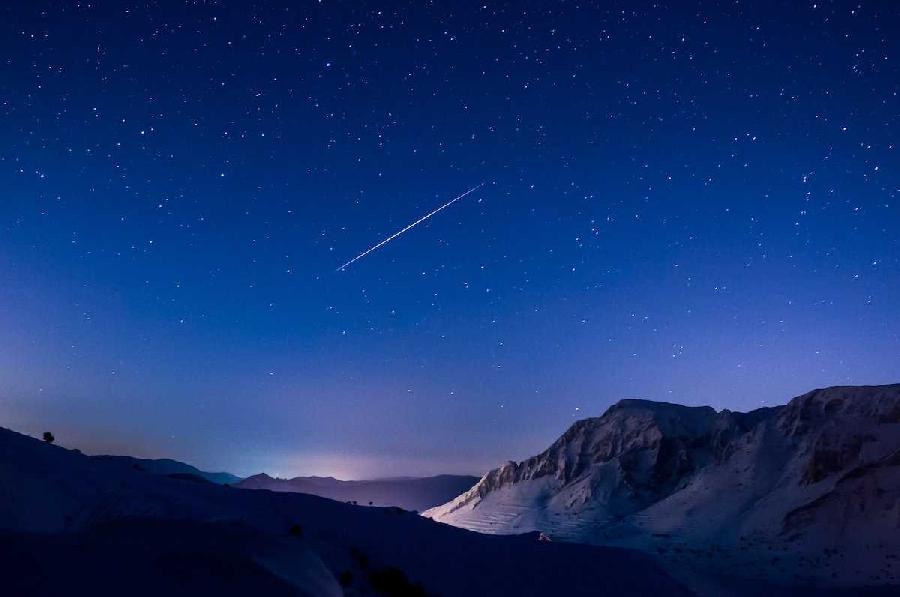 12. Геминиды Геминиды активны в декабре, и, как правило, являются самым сильным метеорным потоком го