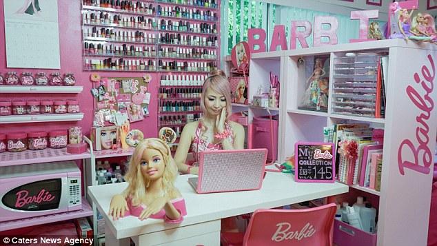 «Недавно я побывала на Собрании коллекционеров Barbie, и это было чудесно, это как сбывшаяся мечта.