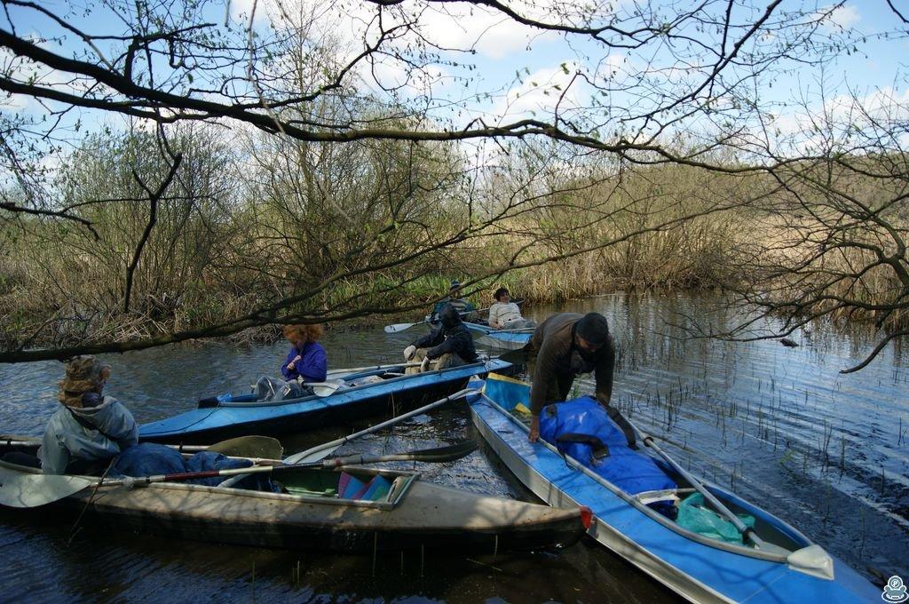 Байдарки на реке Боромля