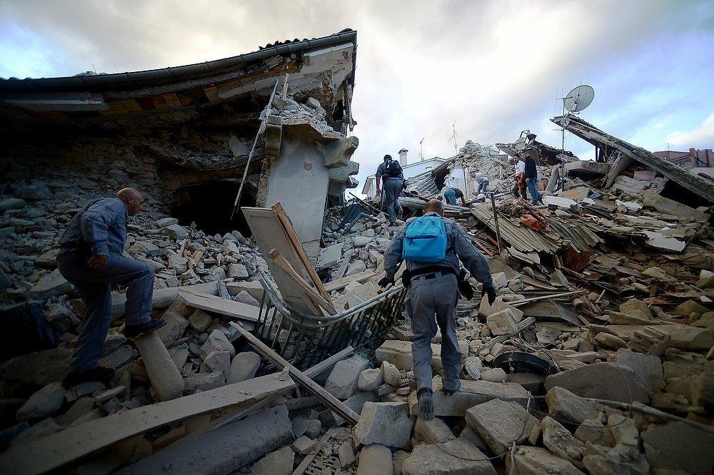 ВИталии началась траурная церемония пожертвам землетрясения