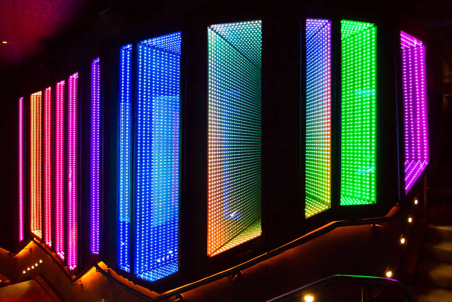 Colorful Interactive Digital Installations (10 pics)