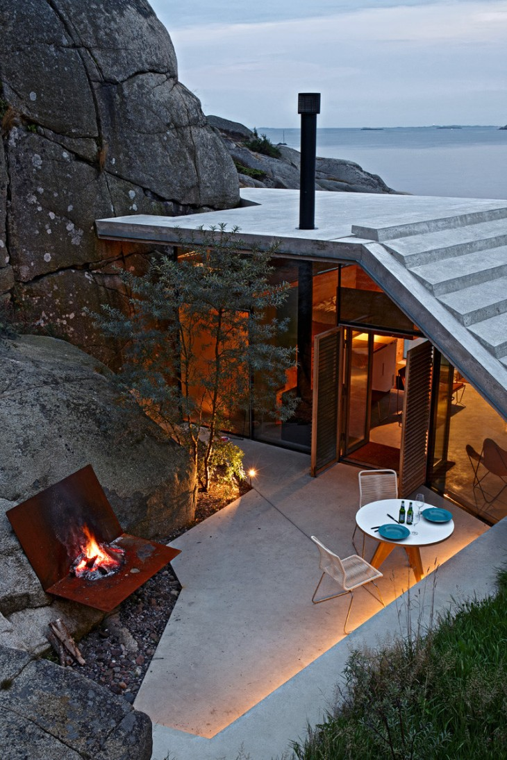Contemporary Cabin by Lund Hagem
