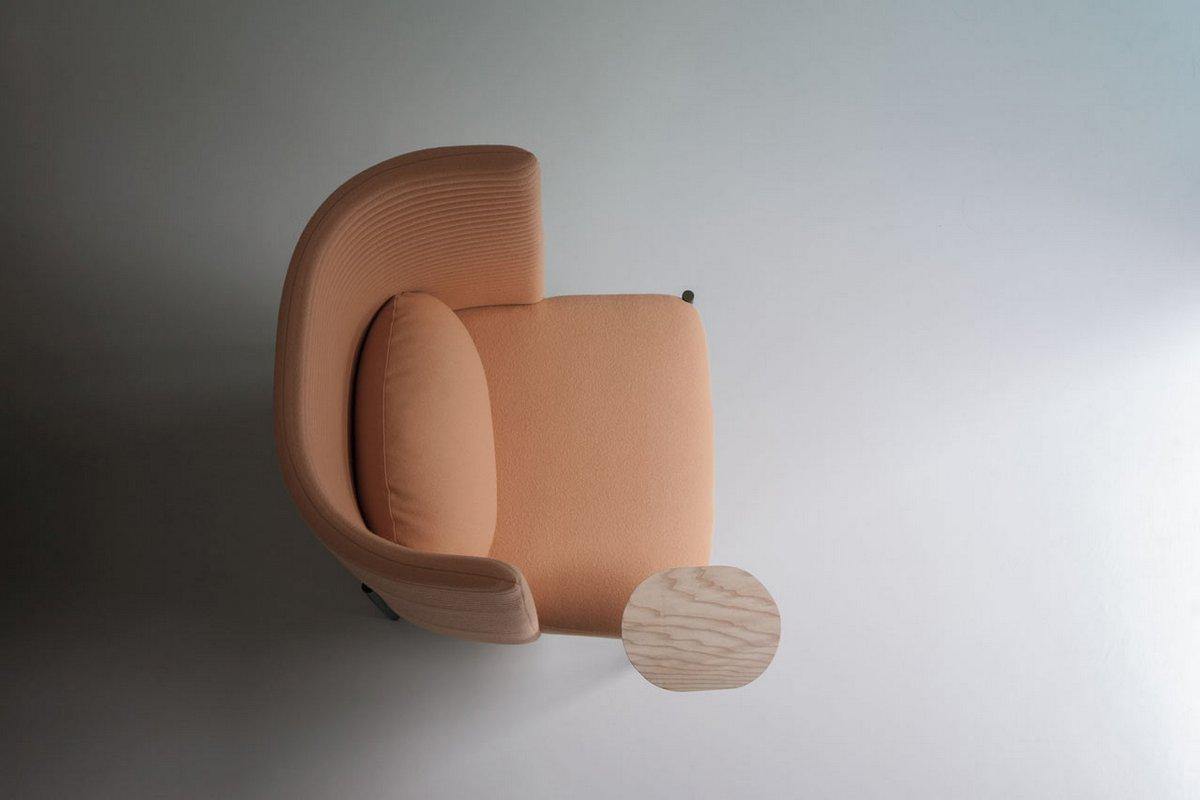 Кресло со столиком