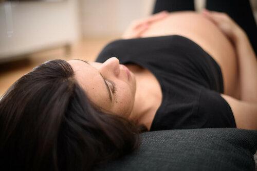 Как сбить температуру при беременности