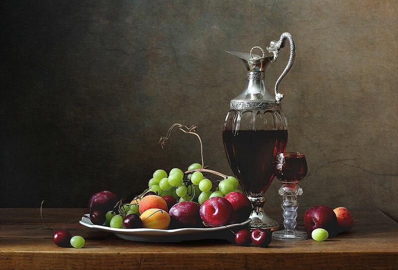 Декантер и фрукты