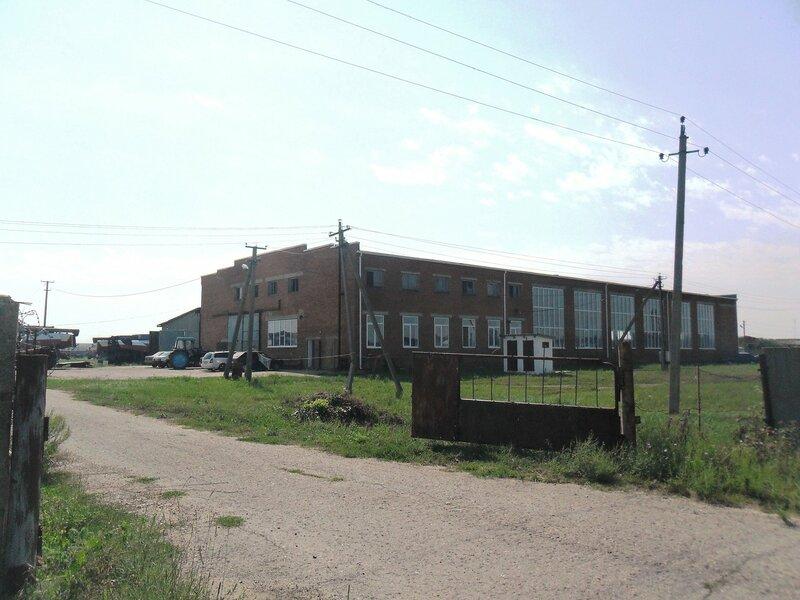 Здание, где сельхозтехника ... SAM_3531.JPG