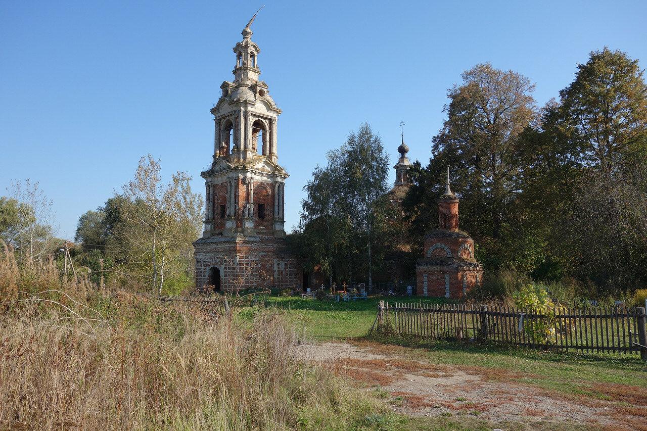 храм с косым шпилем, Большое Село