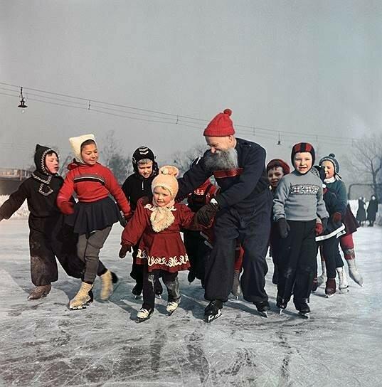1957 Каток на стадионе Динамо в Ленинграде. Борис Уткин2.jpg