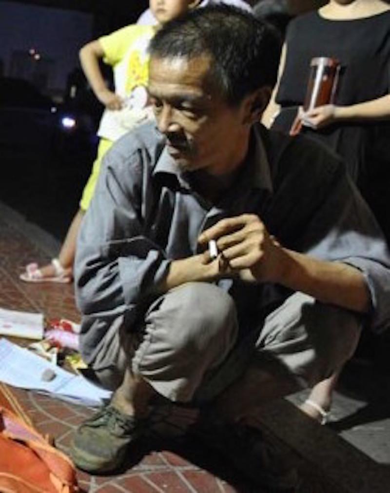 Смотреть бомжиха сосет 7 фотография