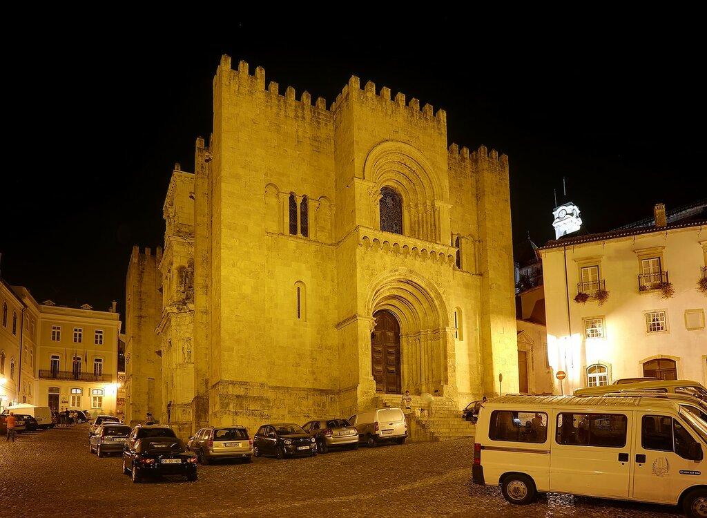 Ночная Коимбра. Кафедральный собор или старый собор (Sé Velha)