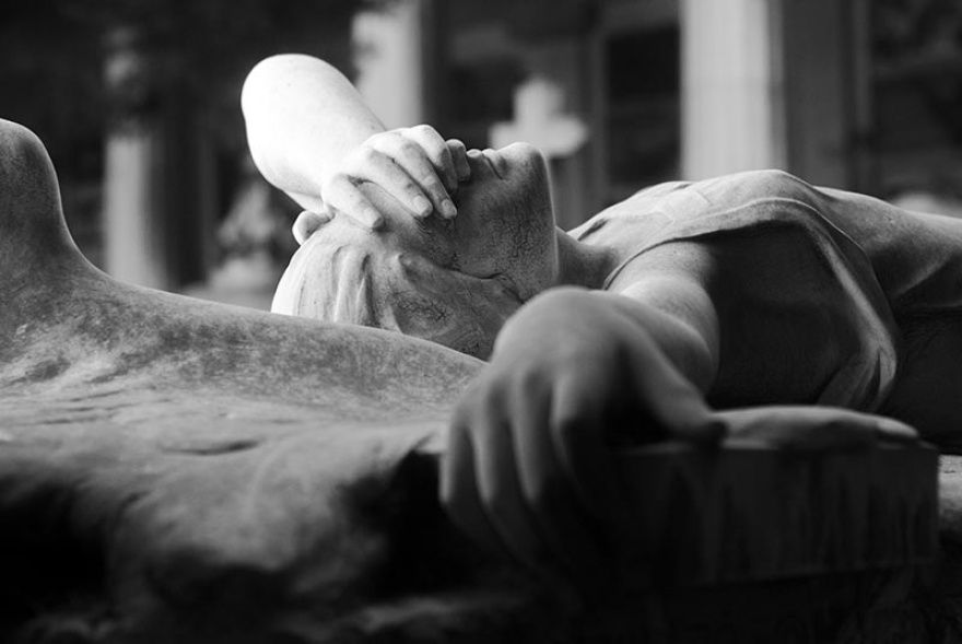 9. Скорбящий ангел Один из монументов кладбища Стальено в Генуе.