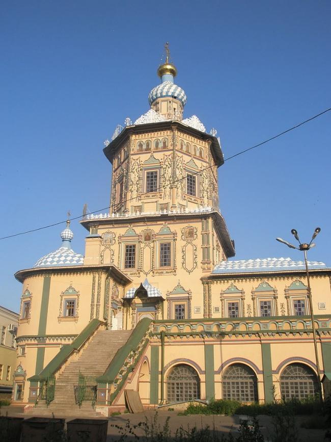 Петропавловский собор вКазани. Если здание похоже начто-то очень старорусское, нопри этом все «бо