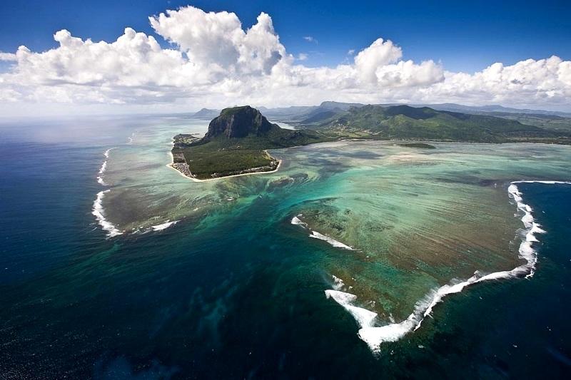 Добраться до природного феномена, лежащего в юго-западной оконечности островного государства Маврики