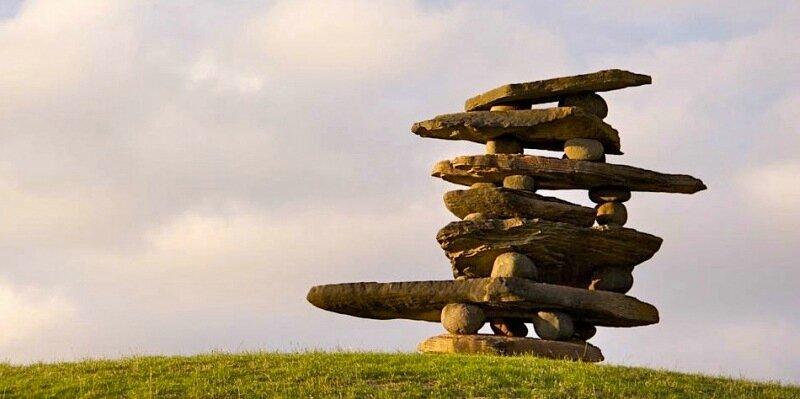 Огромные скульптуры Криса Бута, сложенные из валунов и гальки (Новая Зеландия)