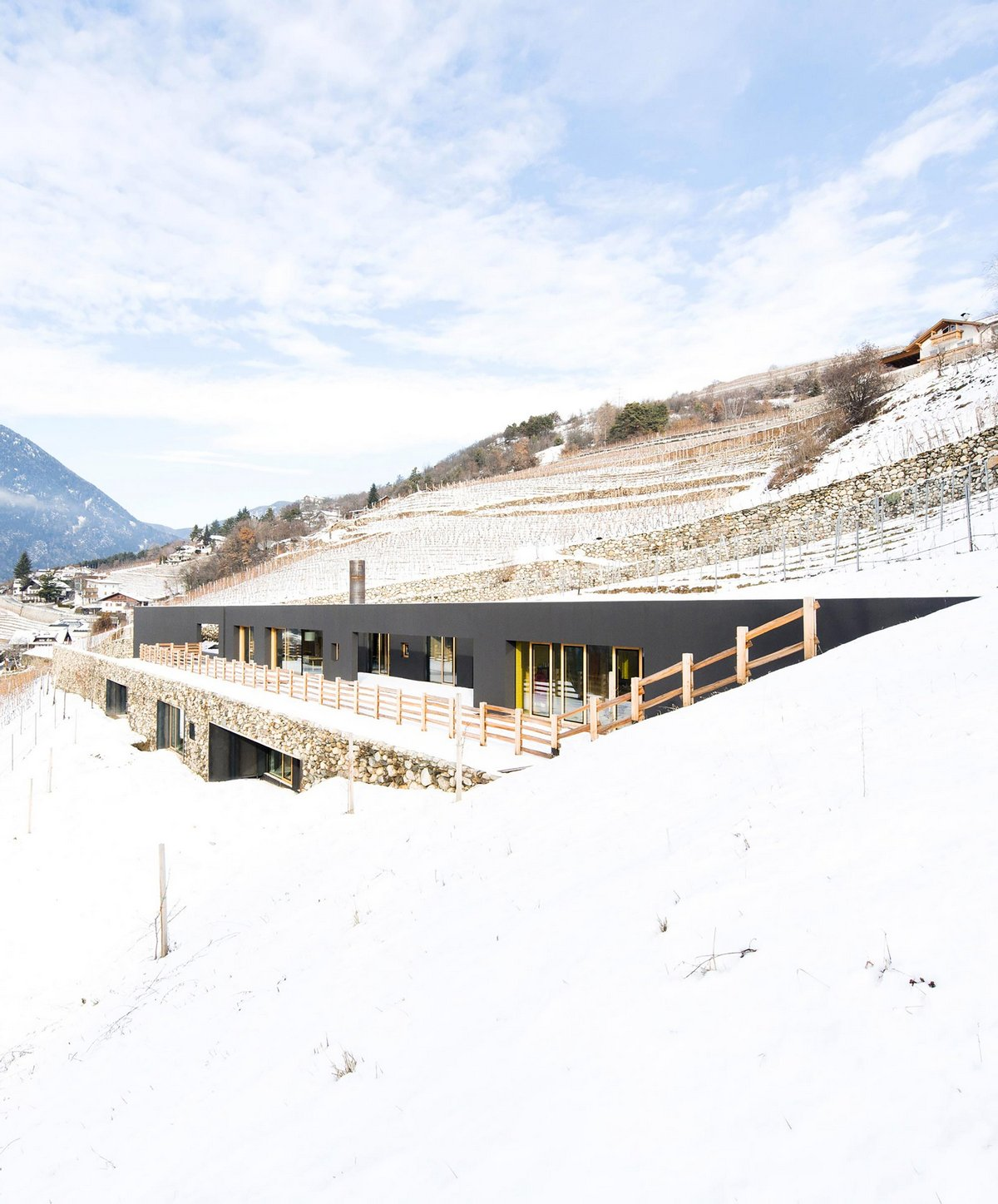 Bergmeister Wolf Architekten, дом виноградаря, вилла виноградник, виллы в италии, виллы италии фото, дома на склонах гор фото