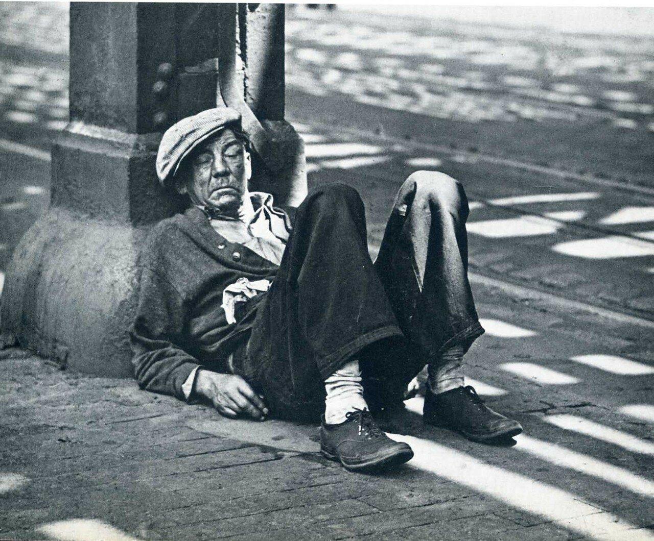 1932. Бомж на Бауэри-стрит