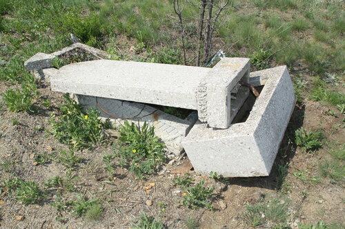 Три подростка разрушили более 50 могил в Чадыр-Лунге