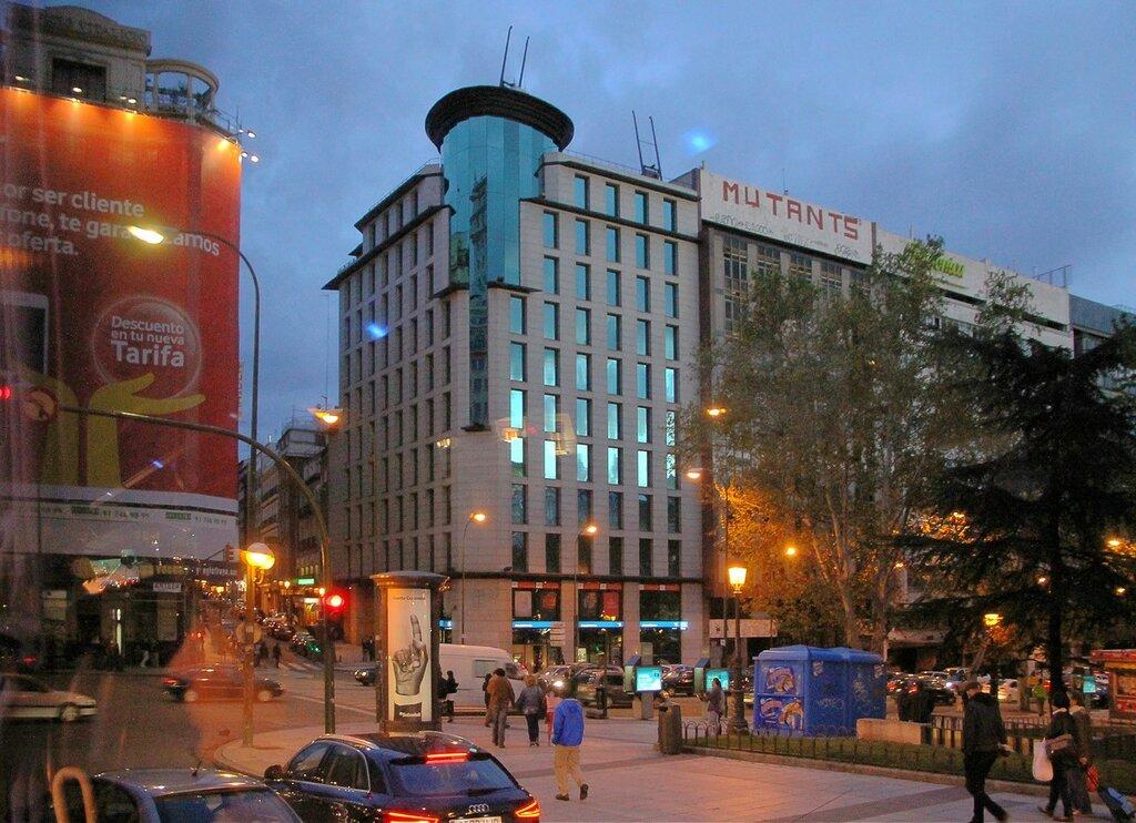Вечерний Мадрид. Площадь Испании