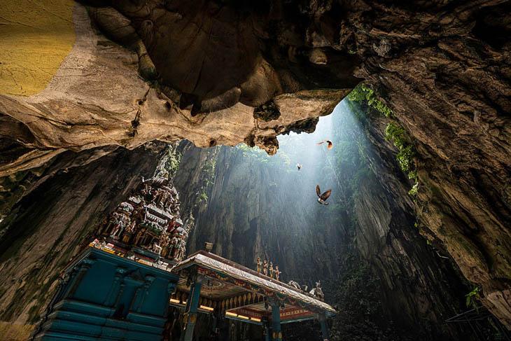 Пещера Melissani, Греция.