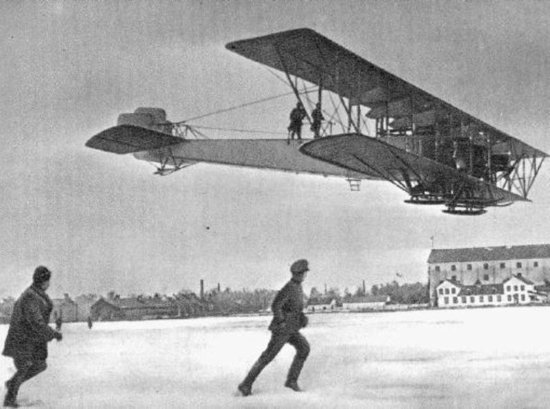 5. Многомоторный самолет «Илья Муромец» Трудно сейчас поверить, но чуть больше ста лет назад считало