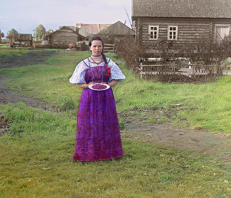 7. Цветное фото Цветная фотография появилась еще в конце XIX века, однако снимки того времени характ