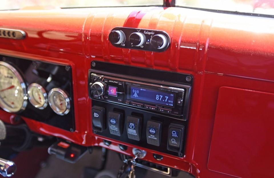 Legacy Classic Trucks собирают сразу несколько версий Power Wagon. Они отличаются как внешним видом,