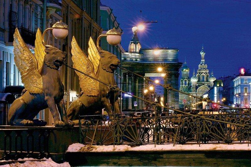 Интересные истории Банковского моста в Санкт Петербурге