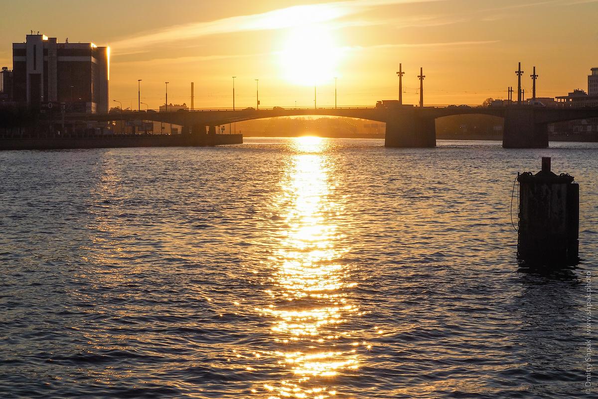 Закат над Ушаковским мостом
