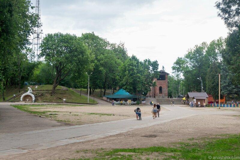 Панорама внутри бывшего Королевского бастиона, Смоленск, Лопатинский сад
